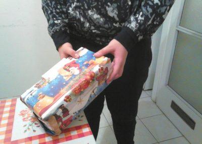 Egy 9 és egy 14 éves fiú ajándéka.